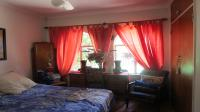 Bed Room 1 - 14 square meters of property in Garsfontein