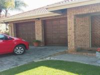 3 Bedroom 3 Bathroom House for Sale for sale in Modimolle (Nylstroom)