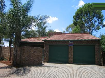 3 Bedroom Cluster for Sale For Sale in Die Hoewes - Home Sell - MR16085