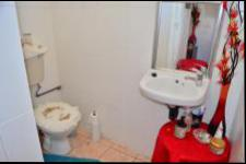 Bathroom 1 - 3 square meters of property in Bluff