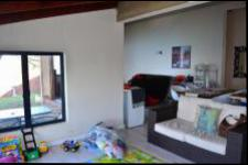 Lounges - 50 square meters of property in Bluff