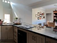 Kitchen - 21 square meters of property in Olympus
