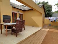 Patio - 25 square meters of property in Olympus