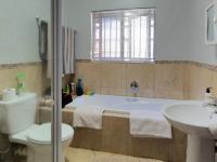 Bathroom 1 - 6 square meters of property in Olympus