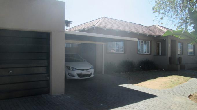Standard Bank EasySell 3 Bedroom House for Sale For Sale in Rustivia - MR161043
