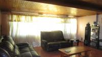 Lounges - 16 square meters of property in Albemarle