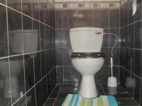 Bathroom 1 - 11 square meters of property in Dalpark