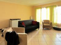 Lounges - 27 square meters of property in Elarduspark