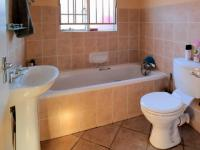 Bathroom 1 - 7 square meters of property in Elarduspark