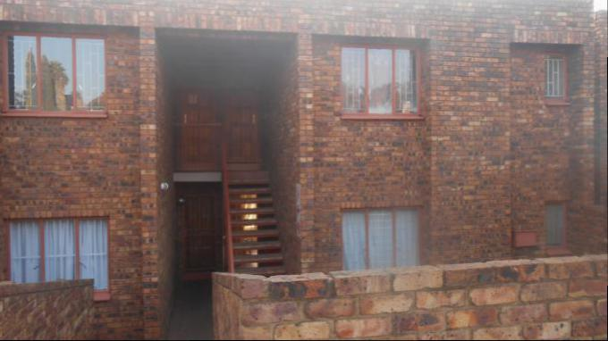 2 Bedroom Sectional Title for Sale For Sale in Zwartkop - Private Sale - MR161422