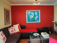 Lounges - 35 square meters of property in Garsfontein