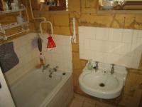 Main Bathroom - 5 square meters