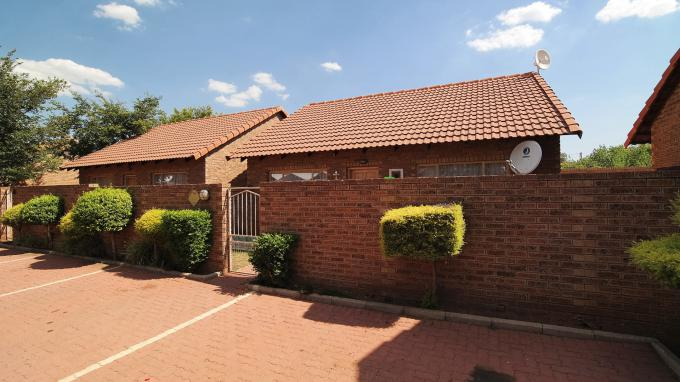 Standard Bank EasySell 1 Bedroom Sectional Title for Sale For Sale in Bronkhorstspruit - MR161671