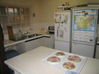 Kitchen - 10 square meters of property in Les Marais