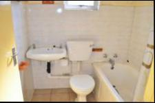 Main Bathroom - 4 square meters of property in Richards Bay