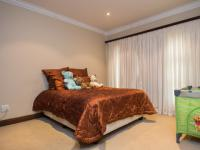 Bed Room 1 - 17 square meters of property in The Wilds Estate