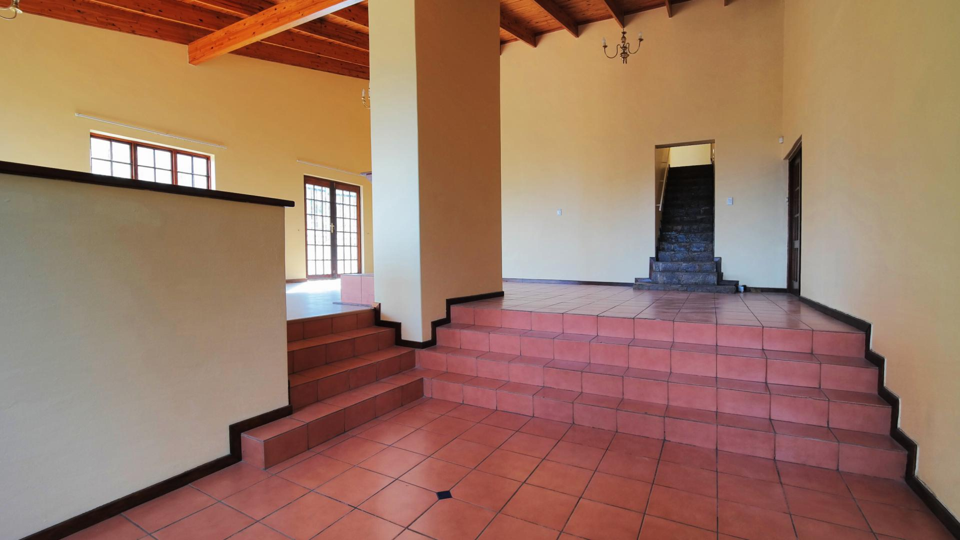 Lounges of property in Waterkloof Ridge