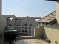 Balcony - 27 square meters of property in Lone Hill