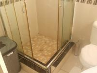 Main Bathroom - 5 square meters of property in Ninapark