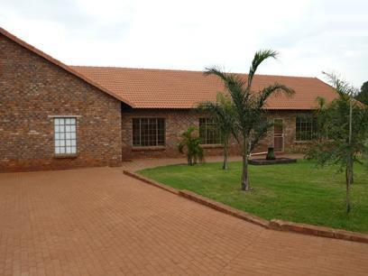 4 Bedroom House For Sale in Kameeldrift - Private Sale - MR16203