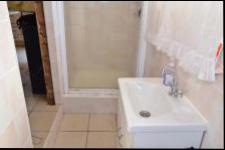 Bathroom 1 - 13 square meters of property in Hibberdene