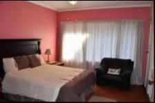 Bed Room 1 - 18 square meters of property in Scottburgh