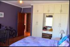 Bed Room 2 - 21 square meters of property in Scottburgh