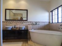 Main Bathroom - 11 square meters of property in Silver Stream Estate
