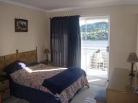 Main Bedroom - 21 square meters of property in Bloubergstrand