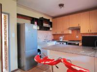 Kitchen - 10 square meters of property in Mooikloof Ridge