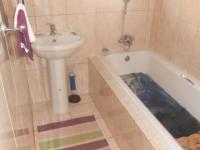 Bathroom 1 - 5 square meters of property in Kosmosdal