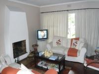 Lounges - 18 square meters of property in Bellville