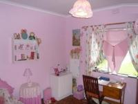 Bed Room 1 - 13 square meters of property in Bellville