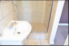 Bathroom 1 - 1 square meters of property in Hilton