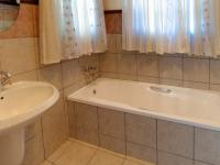 Bathroom 1 - 4 square meters of property in Erasmuskloof
