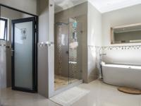Main Bathroom - 22 square meters of property in Lombardy Estate