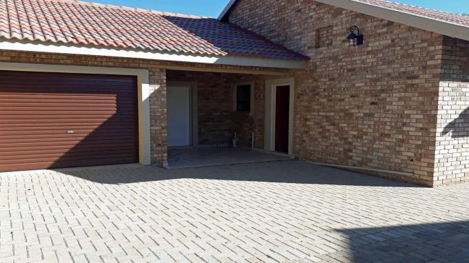 House for Sale For Sale in Potchefstroom - Private Sale - MR162500