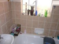 Main Bathroom - 6 square meters of property in Elarduspark