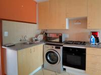 Kitchen - 8 square meters of property in Karenpark