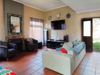 Lounges - 59 square meters of property in Newlands