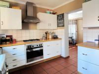 Kitchen - 37 square meters of property in Newlands