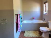 Bathroom 1 - 9 square meters of property in Newlands