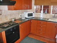 Kitchen - 10 square meters of property in Ontdekkerspark