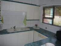 Kitchen - 8 square meters of property in Bloubergstrand
