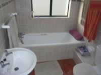 Bathroom 1 - 6 square meters of property in Durbanville