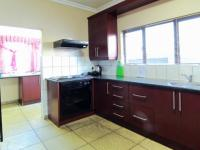 Kitchen - 16 square meters of property in Olympus
