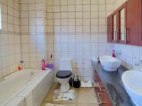 Main Bathroom - 10 square meters of property in Olympus