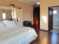 Main Bedroom - 36 square meters of property in Olympus
