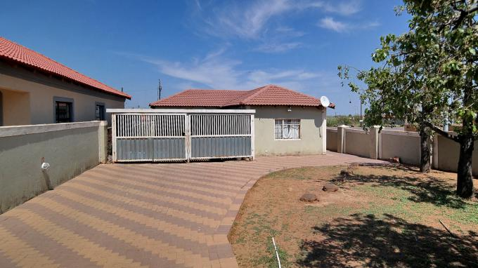 Standard Bank EasySell House for Sale For Sale in Mabopane - MR162970