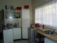 Kitchen - 18 square meters of property in Bosmont